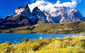 Andes Mountains at Cuernos del Paine, viewed from Lake Pehoe (photo credit: Wikipedia)